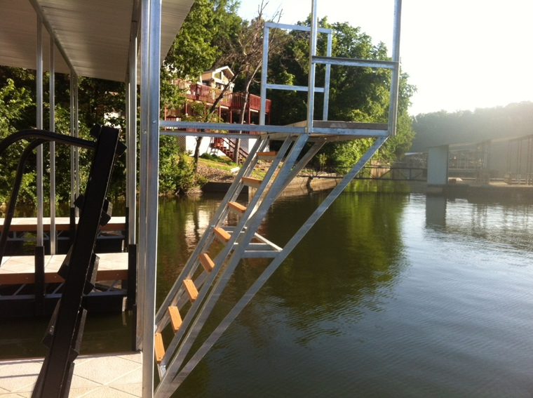 Dock Dive Tower for Jerry