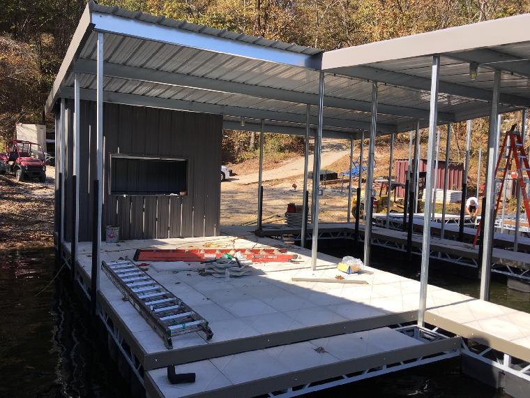 1 well with swim dock and bar