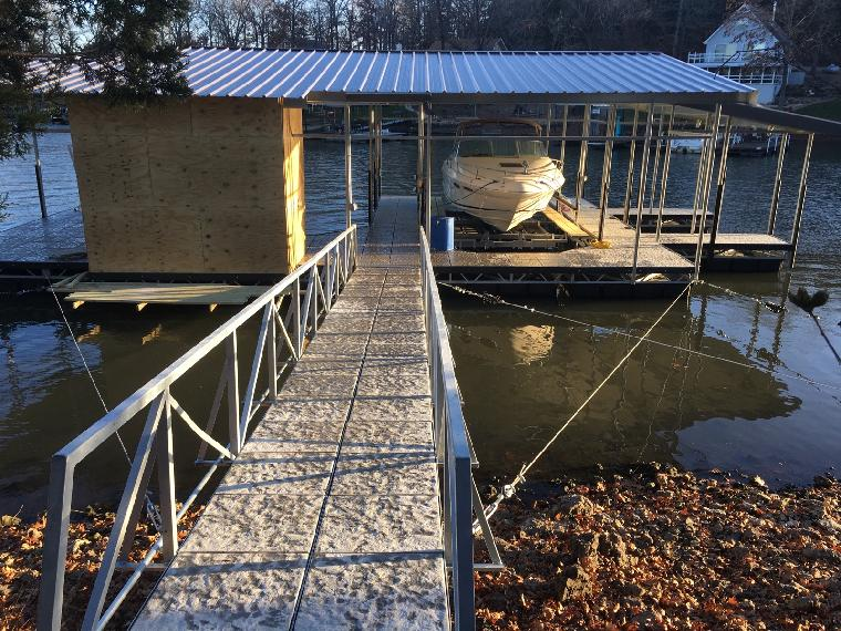 Jerry's new dock on the 45mm osage .